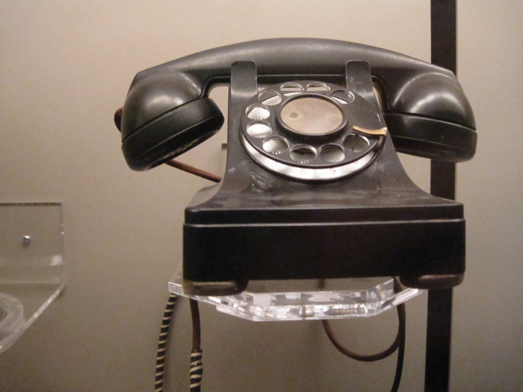 1946 Telephone