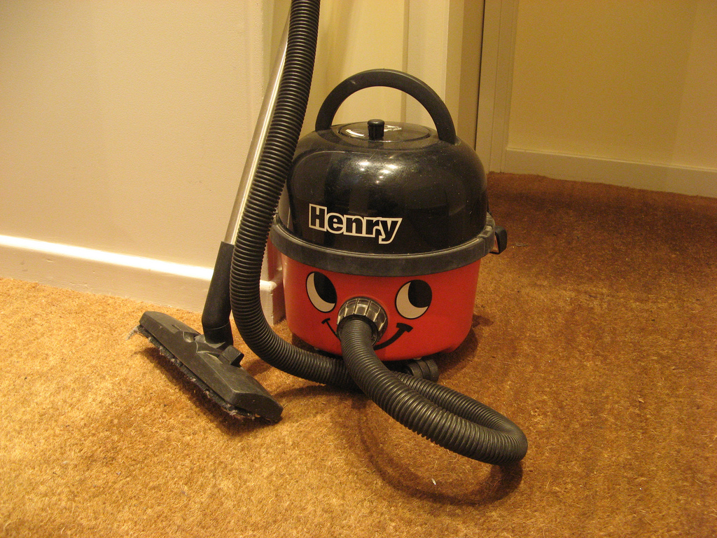 os presento a Henry